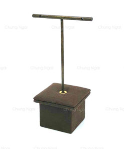 Short earring stand